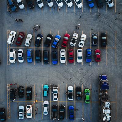 上空から見た駐車場