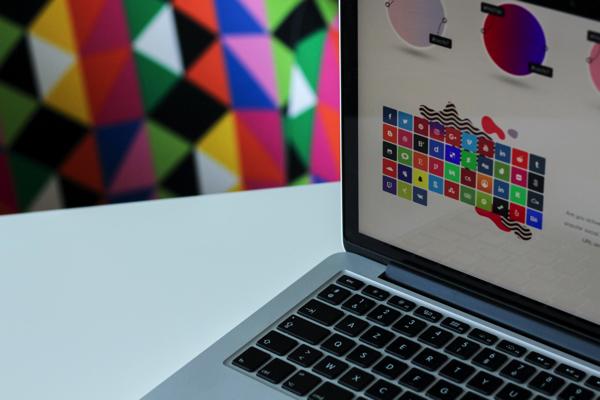 パソコン上のカラー