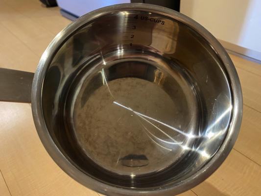 くすみのついた鍋