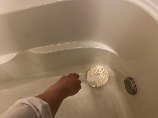 浴槽に入らず掃除