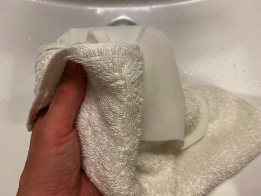 マスクの水分をとる