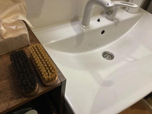 洗面所におく靴用ブラシ
